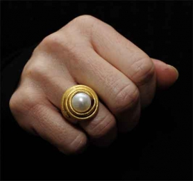 Ring Variation Perle, goldplattiert.